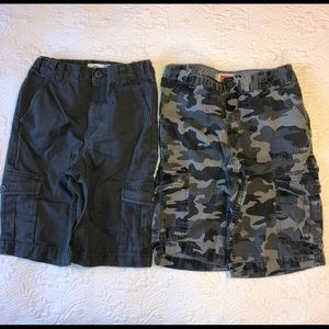 Bundle: Gray cargo & gray camo shorts